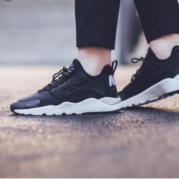 f84f9760d520 Nike Air Huarache Run Ultra Black. M 5aaa2ef32ab8c5b1081ece10